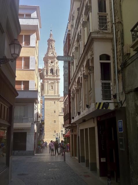 Una de las calles de la parte vieja de Logroño
